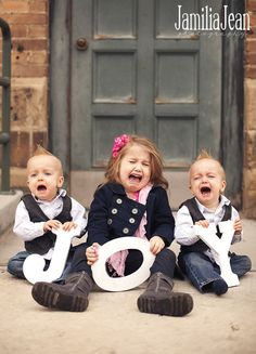 Crying Kids' 'Joy' Photo Is A Christmas Miracle!