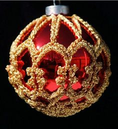 Crocheted Christmas Ornament Cover  FREE writting pattern by Susan Allen  [Ravelry]