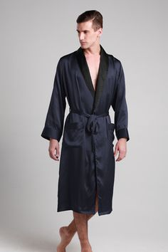 Exquisite men robe is made from the finest 22 momme mulberry silk which is guaranteed to be very use-friendly and comfortable. Natural and healthy lifestyle is along with this soft silk robe. For wrapping in relax style, this pure silk nightwear makes the great way to after shower use or lounge use.