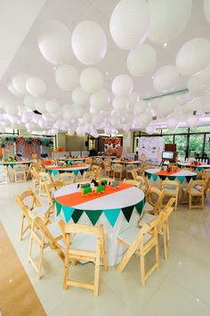 Nathan's Party Animals Themed Party – Table setup Animal Party, Party Animals, Party Themes, Party Ideas, Table Decorations, 2nd Birthday, Safari, Home Decor, Decoration Home