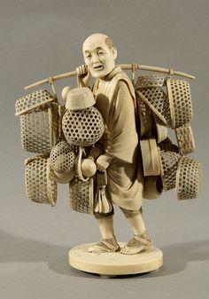 japanese okimono | JAPANESE OKIMONO IVORY FIGURE OF A BASKET SELLER
