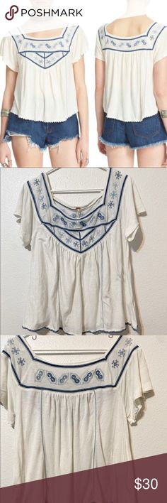 08c97109854a4 Free People Muse Embroidered Blouse Free People Muse Embroidered Blue and Ivory  Blouse Size Large Intricate