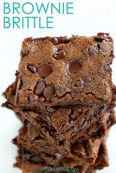 Chewy Chocolate Brownie Brittle Recipe | Just a TasteIngredients: 1/2 cup all-purpose flour 1/4 teaspoon salt 1/4 teaspoon baking soda 2 large egg whites 1 cup sugar 2 Tablespoons cocoa powder 1/2 teaspoon espresso powder, optional 1/4 cup vegetable oil 1/2 teaspoon vanilla extract 1 Tablespoon nonfat dry milk powder 1 cup chocolate chips, divided