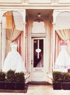 Bridal Shop. Paris.