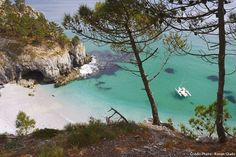Photos of the stunning beaches in Brittany for the tourists to see I Love The Beach, Travel Oklahoma, Portugal Travel, Most Beautiful Beaches, New York Travel, Vacation Places, France Travel, Thailand Travel, Strand
