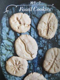 Fossil Cookies - Martha Stewart Recipes Great for Dinosaur Party Recettes Martha Stewart, Martha Stewart Recipes, Good Food, Yummy Food, Delicious Recipes, Cookies Et Biscuits, Sugar Cookies, Fun Cookies, Shortbread Cookies