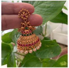 Gold Jhumka Earrings, Gold Bridal Earrings, Gold Wedding Jewelry, Jewelry Design Earrings, Gold Earrings Designs, Gold Jewelry Simple, Antique Earrings, Designer Earrings, Peacock Earrings