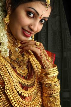 A bride with 5 Kg. Gold