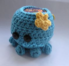 Octopus Apple or Chocolate Orange Cosy - The Supermums Craft Fair Crochet Craft Fair, Crochet Crafts, Crochet Projects, Free Crochet, Christmas Gifts For Kids, Holiday Crafts, Christmas Ideas, Crochet Embellishments, Craft Stalls