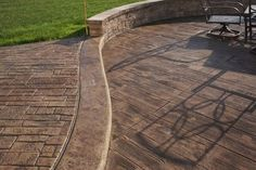wood look stamped concrete patio designs - Bing Images Stamped Concrete Pictures, Stamped Concrete Designs, Wood Stamped Concrete, Concrete Patio Designs, Concrete Tiles, Concrete Patios, Cement Patio, Paver Sand, Paver Stones