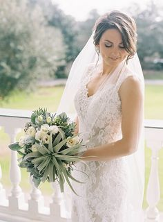 Photography: Virgil Bunao - virgilbunao.com  Read More: http://www.stylemepretty.com/2015/06/09/elegant-lowndes-grove-plantation-wedding-3/
