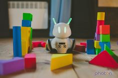 Photon Robot Rolls Around, Lights Up, And Teaches Tots How To Code