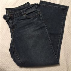 "Like new Apt 9 jeans Like new! Darker denim. Zippered front closure with one button, buttoned back pockets. Bootcut I believe. No flaws I can see. I measure 31"" inseam. Apt. 9 Jeans"