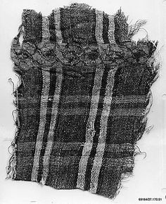 """""""12th c. Egyptian linen and silk fragment (4 1/4 x 3 1/4 in.) - Met Museum"""" >>Interesting combination of fibers."""