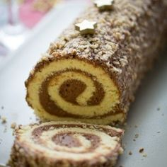 Bûche pâtissière à la mousse au chocolat praliné (gâteau roulé )