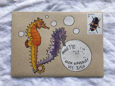 62 ideas for a letter — Naomi Loves Pen Pal Letters, Letter Art, Letter Writing, Diy Envelope, Envelope Design, Mail Art Envelopes, Snail Mail Pen Pals, Paper Art, Paper Crafts
