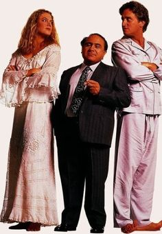 Michael Douglas, Danny DeVito and Kathleen Turner in The War of the Roses Kathleen Turner, Romancing The Stone, The Illusionist, Danny Devito, Wars Of The Roses, Event Photos, Film Industry, Star Fashion, American Actress