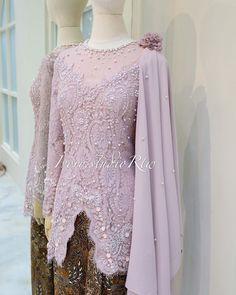 Kebaya Lace, Kebaya Hijab, Batik Kebaya, Kebaya Dress, Kebaya Muslim, Model Kebaya Brokat Modern, Kebaya Modern Dress, Muslim Fashion, Hijab Fashion