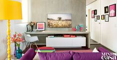 Moderna, estilosa, vibrante – e com muitas pitadas de doçura –, a decoração deste apê paulistano de 68 m² reflete a personalidade da moradora | <i>Crédito: Luis Gomes