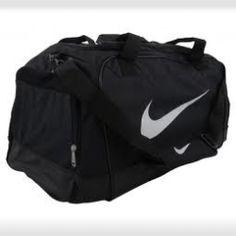 Bolsa de deporte Nike. Si quieres conseguirla entra en www.treboly.com para ec79185409cc2
