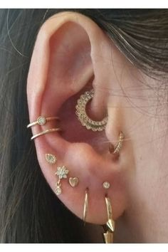"15 Tiny Piercing Ideas to Try Right Now ""Maria Tash is the place to go for fine jewelry and flawless piercings"" -Teen Vogue Piercing Implant, Piercing Cartilage, Piercing Tattoo, Double Cartilage, Inner Conch Piercing, Tragus Piercing Jewelry, Snug Piercing, Cool Ear Piercings, Types Of Ear Piercings"