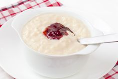 Classic rice pudding made using goats' milk. We challenge you to find a creamier alternative! Goat Recipes, Cookbook Recipes, New Recipes, Creamy Rice Pudding, Classic Rice, Fruit Compote, Low Sodium Recipes, Strawberry Jam, Cake Cookies