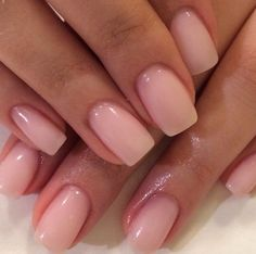 Want some ideas for wedding nail polish designs? This article is a collection of our favorite nail polish designs for your special day. Neutral Nails, Nude Nails, Pink Gel Nails, Short Pink Nails, Nails Ideias, Hair And Nails, My Nails, Polish Nails, Nails Inc