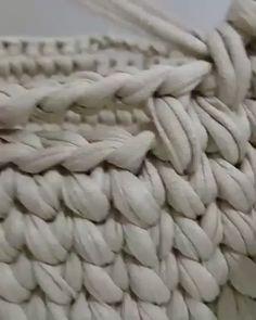 The most beautiful Crochet basket and straw models Crochet Basket Pattern, Knit Basket, Crochet Patterns, Crochet Quilt, Crochet Lace, Crochet Stitches, Giant Knitting, Knitting Yarn, Crochet Amigurumi