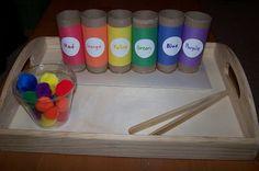 Fine motor color sorting with pom poms, toilet paper rolls, and tongs. Preschool Colors, Preschool Centers, Preschool Age, Learning Centers, Preschool Crafts, Kids Learning, Learning Colors, Motor Activities, Classroom Activities