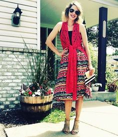 This look is STELLAR with a Lola skirt and a Joy vest tied in the front to accentuate a waistline! #lularoelola #lularoejoy #lularoe PC: @lularoelizscholze