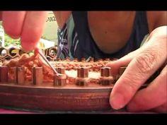 M TUTORIAL PUNTO CRUZADO EN TELAR CIRCULAR - YouTube Crochet Cocoon, Chunky Crochet, Knitting Videos, Loom Knitting, Crochet Fabric, Knit Crochet, Round Loom, Knifty Knitter, Lana