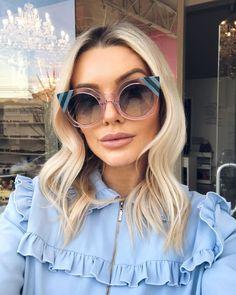"""2368d600e4e9d Bianca Petry on Instagram  """"Ontem visitando a minha ótica queridinha   oticasalatiel ❤ A tendência da vez são os óculos com lente mais clara, ..."""