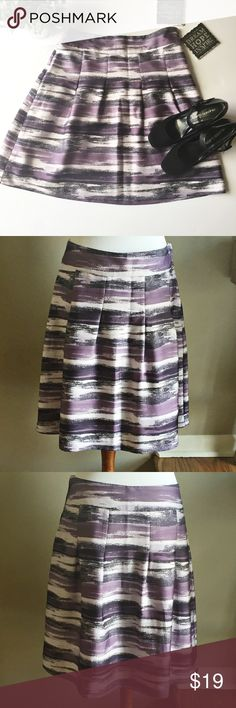 "EUC H&M Purple Brushstroke Print Skirt Excellent Condition. Purple Brushstroke print skirt. 100% polyester. Approximate Measurements: waist laying flat 17"", length 21"". 👗👛👠👙👕Bundle & Save! H&M Skirts A-Line or Full"