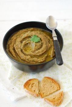 comment faire un caviar d'aubergines? c'est tout simple et léger. La recette sur Confit Banane Caviar D'aubergine, Dips, Hummus, Ethnic Recipes, Blog, Cooking Recipes, Eggplants, Salads, Dip