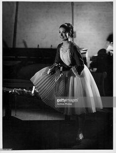 Portrait of ballet dancer Margot Fonteyn in costume, circa 1945.