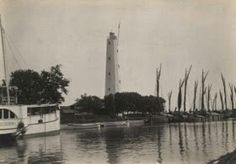1920's - Semarang, Venice von Java. (1). Foto di sekitar muara kanal / sungai masuk Kota Semarang sbg pintu utama perekonomian masyarakat setempat & Jawa Tengah umumnya.