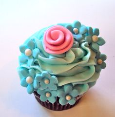 Pretty Flowers Cupcake