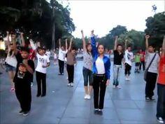 Giới trẻ Hà Nội nhảy flash mob trên nền nhạc  Beat It    VnExpress