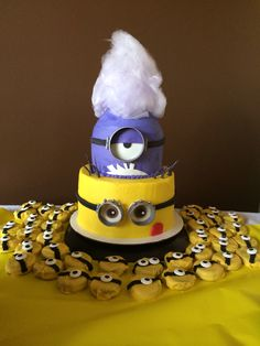 Minion Cake - Despicable Me 2