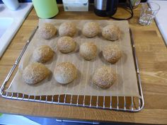 2014-04-18 11.30.44 Gluten Free Buns, Gluten Free Snacks, B Food, Fodmap Recipes, Dessert Recipes, Desserts, Food For Thought, Food Inspiration, Bread Recipes