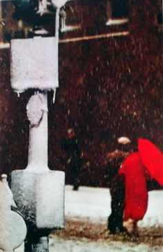 Saul Leiter - Red #saulleiter #photography