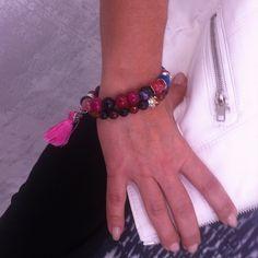#Amigas de Dlola's #pulseras #rosa #multicolor #primavera #colores #pompones