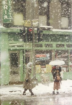 Saul Leiter, SNOW IN THE CITY 1952 on ArtStack #saul-leiter #art
