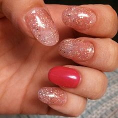 Rounded tips.. and sparkles!!  Gotta love all the possibilities of gel nails!!