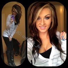 .@ashleah_fox I love her hair