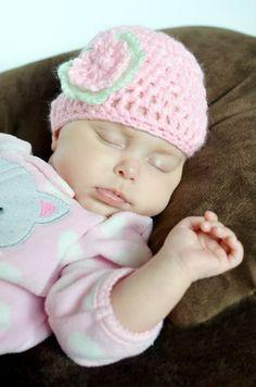 Crotchet baby hats newborn photos