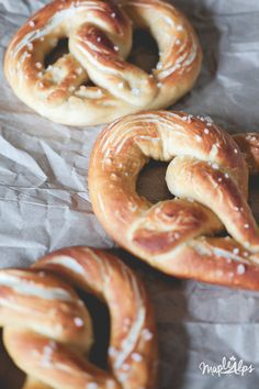The past few weeks, I've been thinking a lot about the time I spent abroad. Let's face it, I'm still abroad, and I still experience things I haven't before, but I was specifically thinking about my time in Europe. It was a grand time. Food-wise, a highlight of mine was the amazing soft pretzel