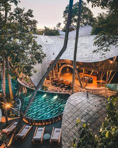16 Unique Bamboo Hotels In Bali That You Must Visit At Least Once In Your Life - TheBaliGuideline Bamboo Architecture, Types Of Architecture, Bungalow Resorts, Porches, Glam Camping, Bamboo House, Bali Travel, Travel Aesthetic, Commercial Interiors