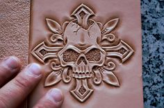 Leather Stamps, Leather Art, Leather Pieces, Custom Leather, Leather Design, Leather Tooling, Leather Working Patterns, Leather Carving, Leather Holster