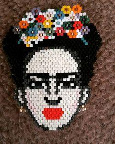 Frida kahlo ✔✔ #kisiyeözel #takilar #aksesuarlar #bileklikler #elyapimi #hapishaneisi #taki #aksesuar #bileklikkombini #tarziniyarat #tarziniyansit #elemegi #orgukolye #boncukisi #takitasarim #kolye #kupe #yuzuk #miyuki #tila #kristal #kristaltas
